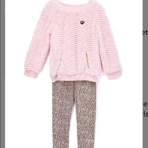 Pink ruffle pullover & cheetah leggings